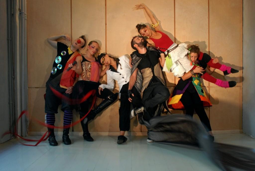 Kinitiras-DanceTheatre-EK-PLIXI-LowRes1