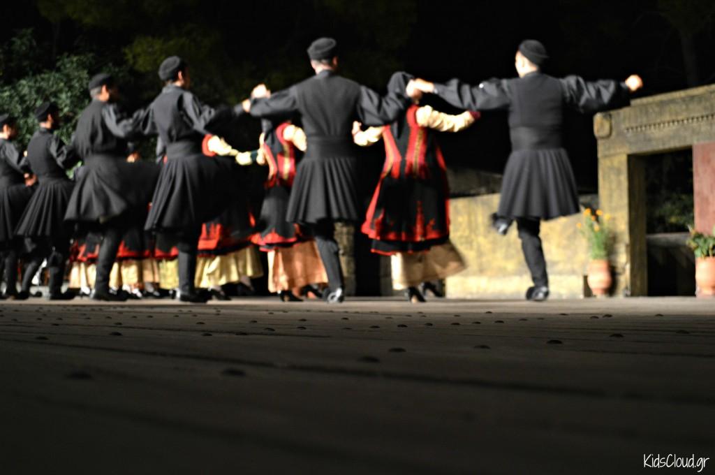 """Θέατρο Ελληνικών Χορών """"Δόρα Στράτου"""""""