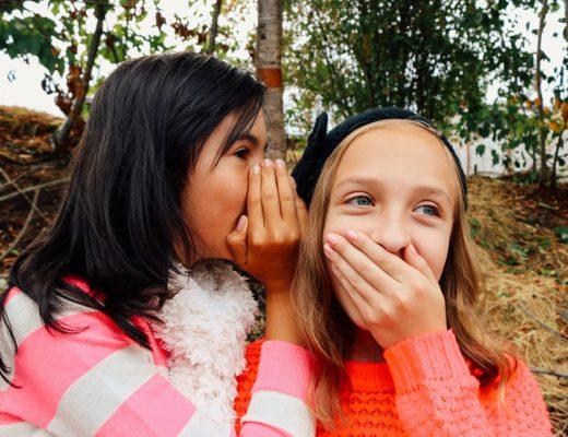 """Όταν αρχίζουν τα μυστικά (η περιέργεια """"τρώει"""" τη μάνα)  hello εφηβεία eeb37b1c606"""